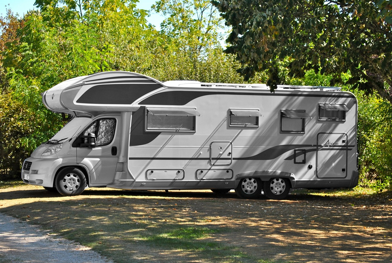 We cater for the largest motorhomes